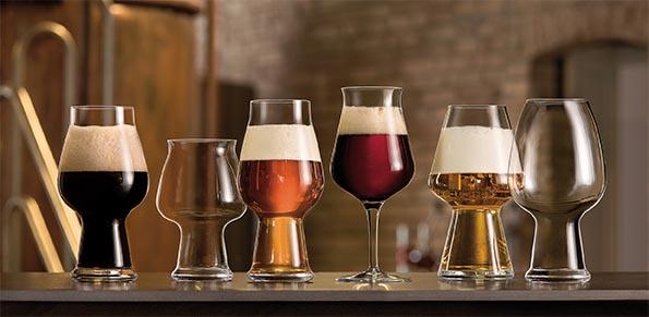 ¿La forma del vaso cambia el sabor de la cerveza?
